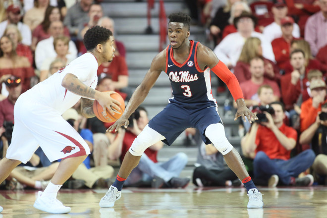 Arkansas Razorbacks 73, Ole Miss Rebels 72: Blocking The Bears