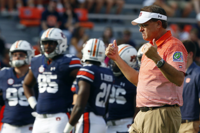 Kerryon Johnson, Auburn hit stride early, then cruise past Ole Miss