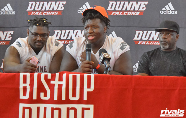 Four-star defensive tackle picks IL