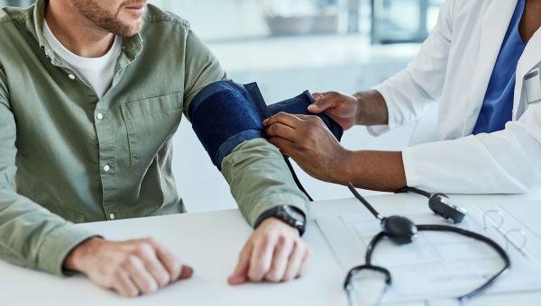 7 Ways to Manage High Blood Pressure