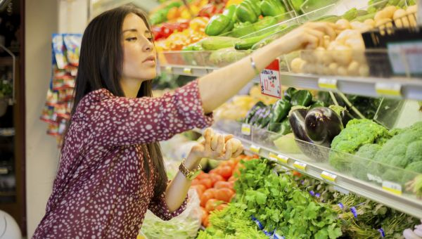 3 Tips to Buy Healthy Groceries on a Budget