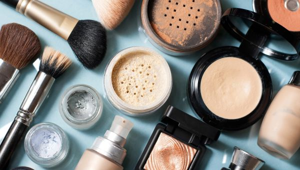 Can Your Makeup Really Give You Cancer?