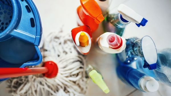 5 DIY Household Cleaning Products to Detox Your Home