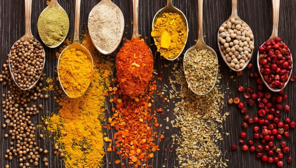 Why You Should Use More Spices and Less Plastic