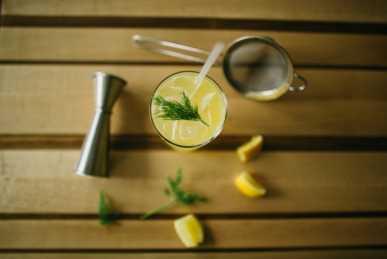 Craft cocktails at Easy Bistro