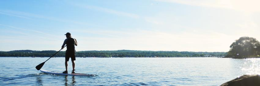 finger-lakes-canandaigua-standup-paddle-boarding-shoreline