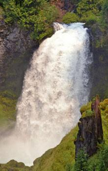 Sahalie Waterfall by Samantha Inouye