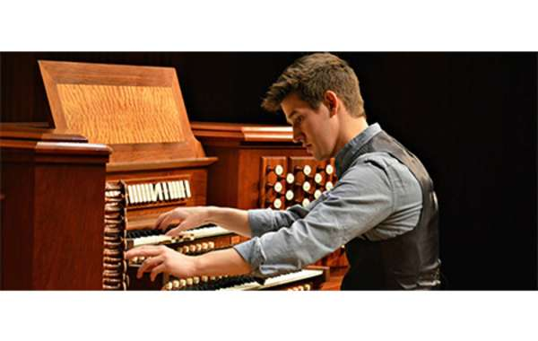 Organist Greg Zelek in Recital