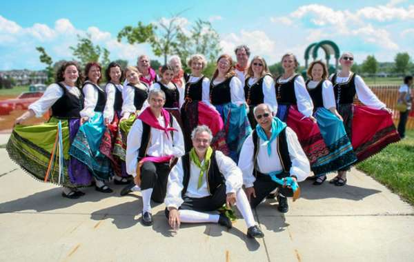 ART•SPIN Community Day with the Italian Folk Dancers of Madison