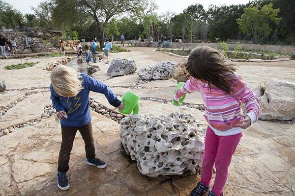 Children playing at the Wildflower Center. Photo by Jessica Pages.