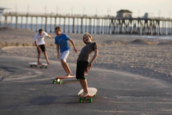 Hamboarders on the HB Boardwalk