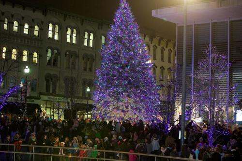 Annual Tree Lighting Ceremony, Downtown Grand Rapids