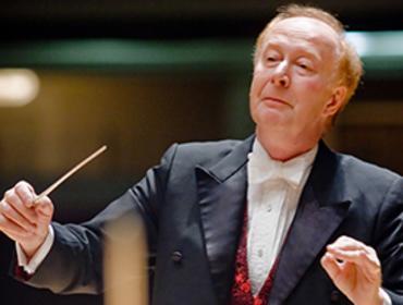 Seaman Conducts Elgar & Beethoven