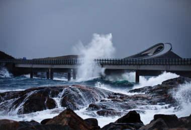 Norway: Bad weather delays offshore flights   Offshore Energy Today
