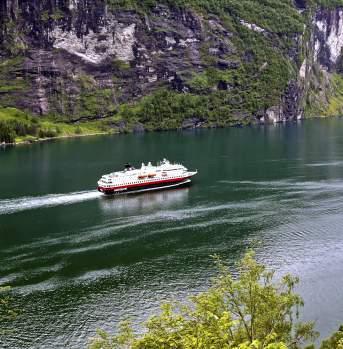 Hurtigruten in Geiranger