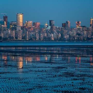 Vancouver s Virtual Gay bourhood