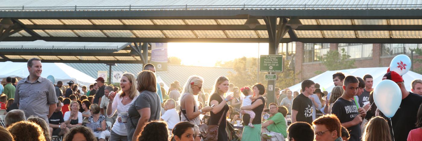 Taste of Bloomington crowd