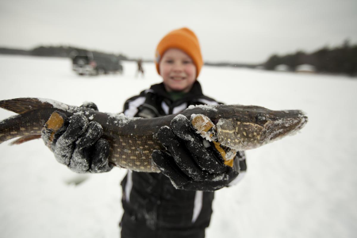 Minocqua area ice fishing northwoods winter activities for Wisconsin ice fishing resorts