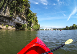 Kayaking the Tennessee River