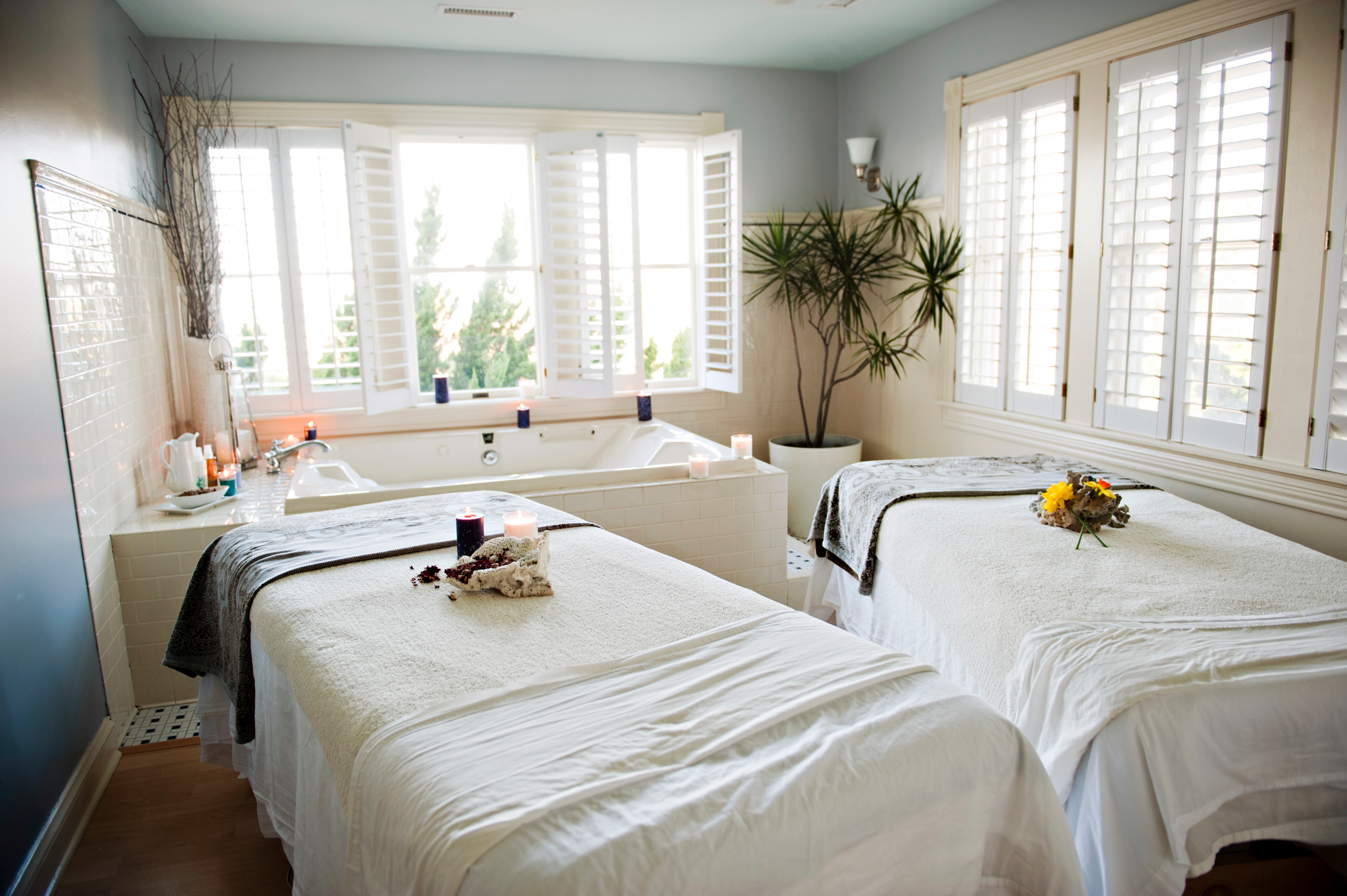 Spas wellness the outer banks north carolina for Health spa vacations for couples