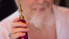 A new study has found e-cigarette users are more likely to quit smoking.