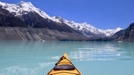 Glacier Kayaking in New Zealand (Image: u/Vascostud on Reddit).