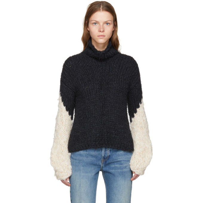 WENDELBORN Wendelborn Black And Beige Oversized Chevron Sleeve Turtleneck