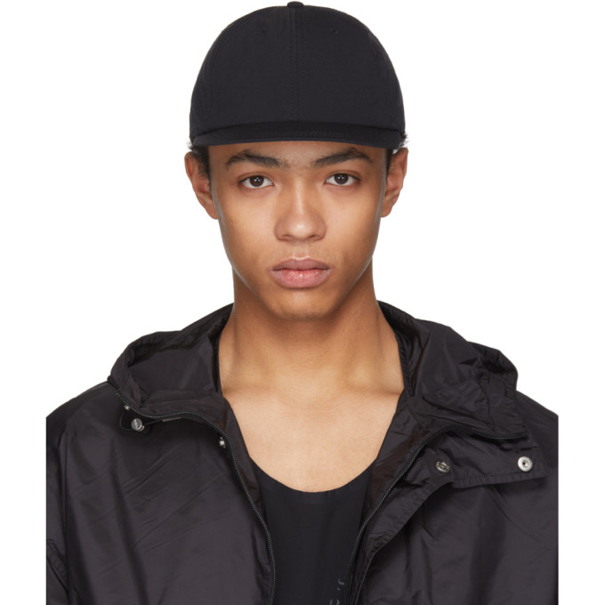 Black Dynamic Running Cap by Satisfy