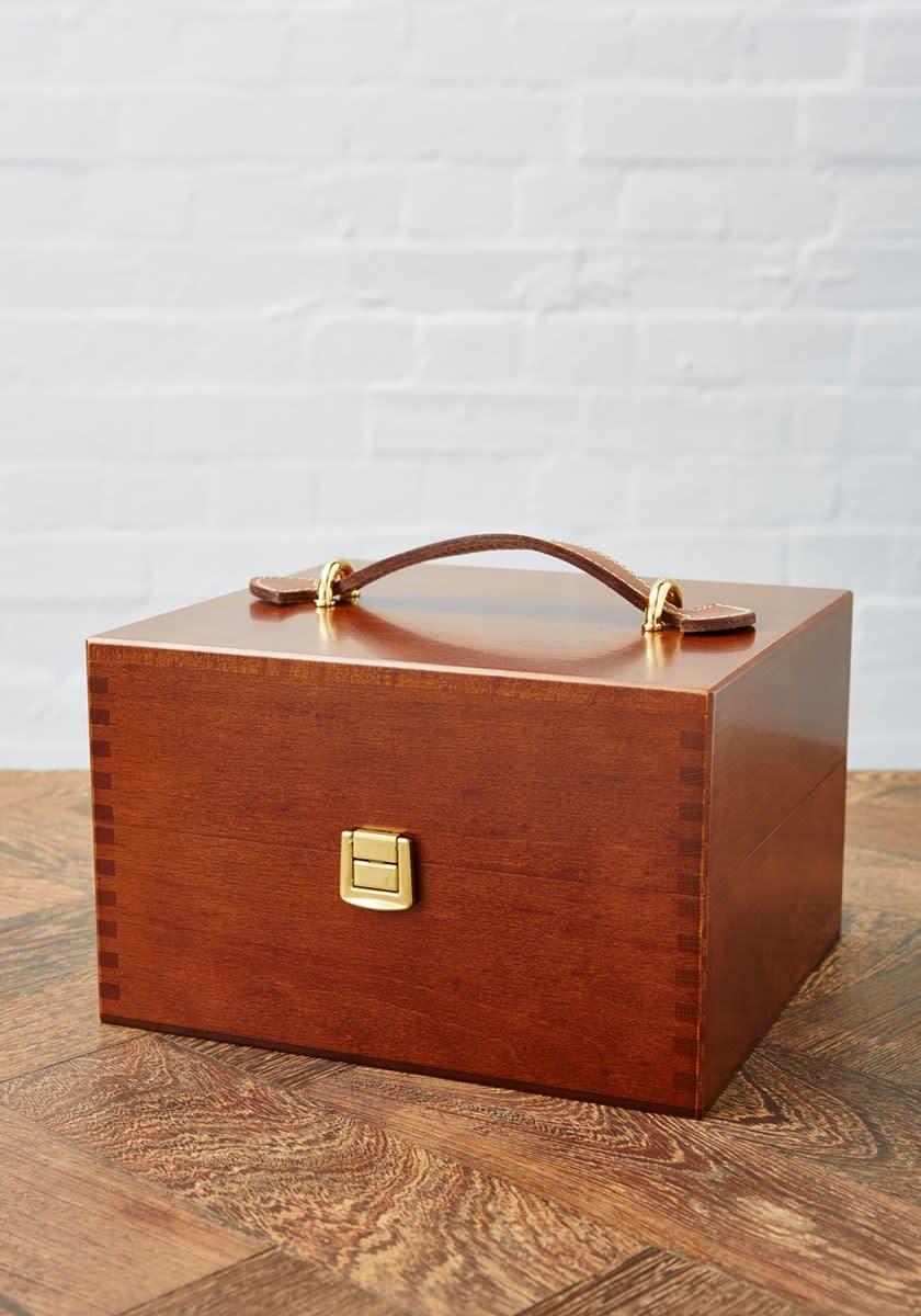 Saphir Medaille dOr Valet Box Shoe Care Set