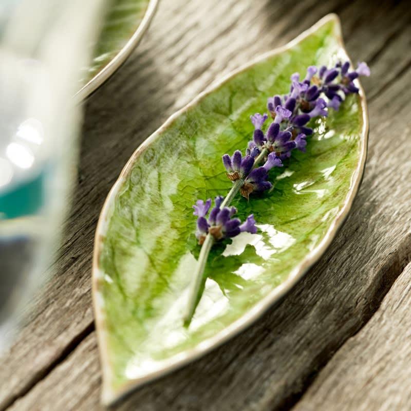Costa Nova Unique Ceramic Laurel Leaf Tableware