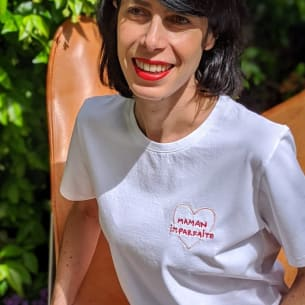 T-Shirt - Embroidered (Im)perfect Mum - 100% Organic Cotton