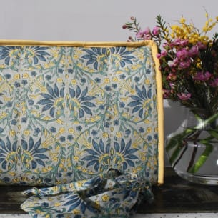 Toiletry Bag With Jewellery Pouch - Block-printing - 30 x 20 cm