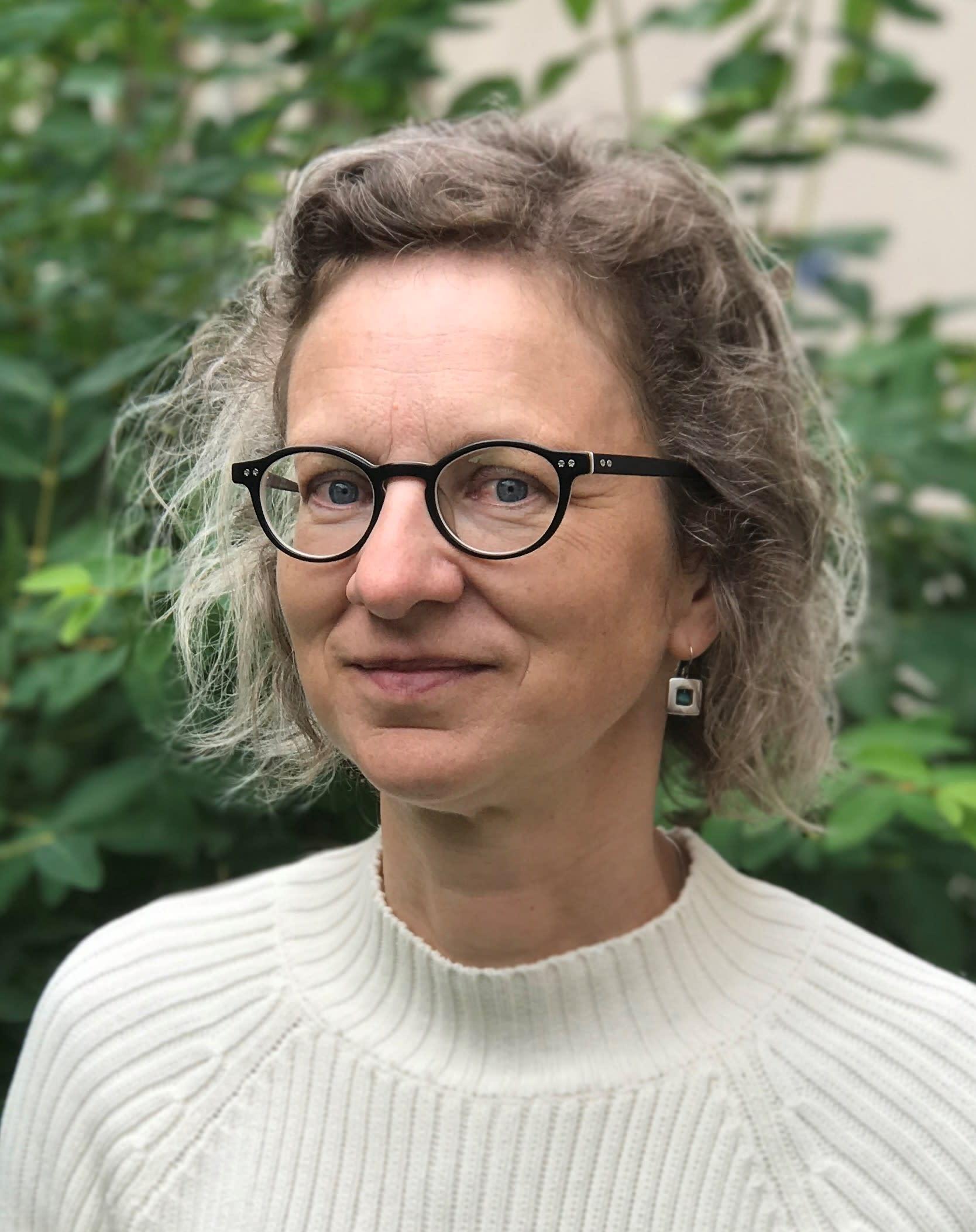 Associate Professor Katarina Saltzman