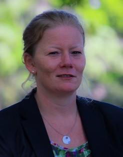 Dr Lauren Johnston