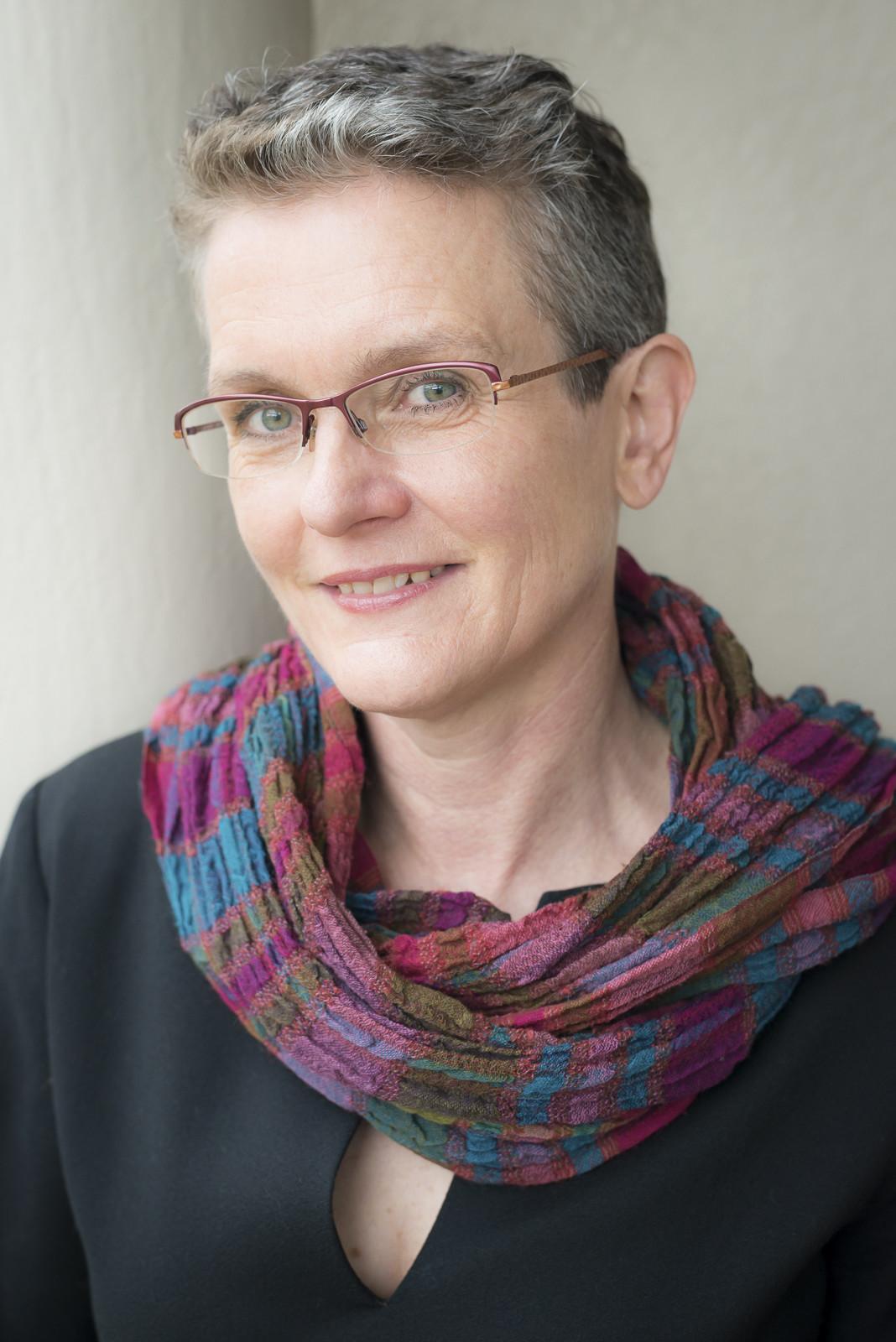 Dr Eve Lester