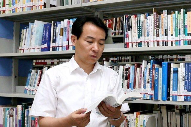 Professor Guofu Liu