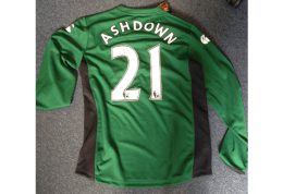 Signed Jamie Ashdown 2009/10 Pompey Goalkeeper Jersey and Shorts