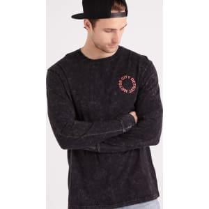 380b1eeea93407 Cotton on Men - Tbar Long Sleeve - Black Acid Wash/Motor City ...