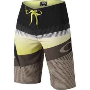 2e3c18cc0a Oakley Men's Gnarly Wave Boardshorts 22 from Oakley.