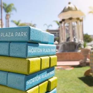 Plaza Play