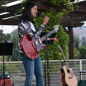 Live Music by Esha K