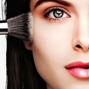 FREE Eye, Lip or Face Mini Makeover