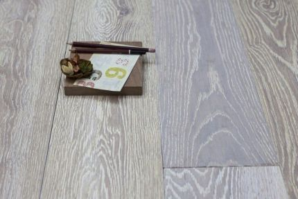 Natural Solid Flooring Oak Brushed UV White Medium 20mm By 140mm By 300-1200mm