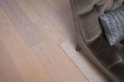 Prime Engineered Oak Paris White UV Oiled 14/3mm By 180mm By 400-1500mm