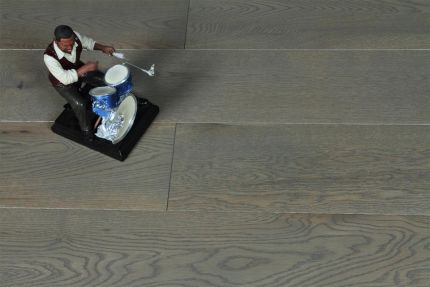 Natural Engineered Oak Sahara Grey Brushed UV Lacquered 15/4mm By 260mm By 2200mm