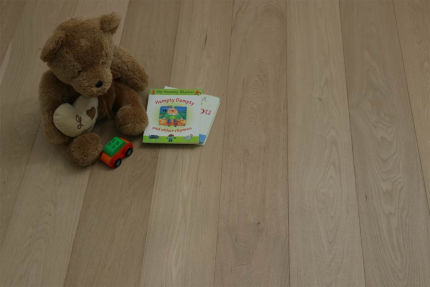 Prime Engineered Flooring Oak Non Visible UV Oiled 14/3mm By 190mm By 400-1500mm
