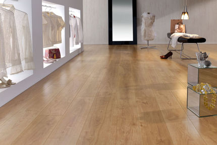 Retro Light Oak Laminate Flooring 8mm By 189mm By 1200mm
