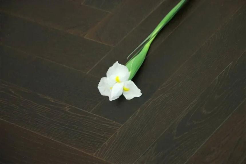 Natural Engineered Flooring Oak Herringbone Black Tea Brushed UV Oiled 14/3mm By 120mm By 600mm