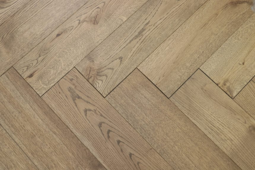 Natural Engineered Flooring Oak Herringbone Cognac UV Oiled 13/4mm By 140mm By 580mm