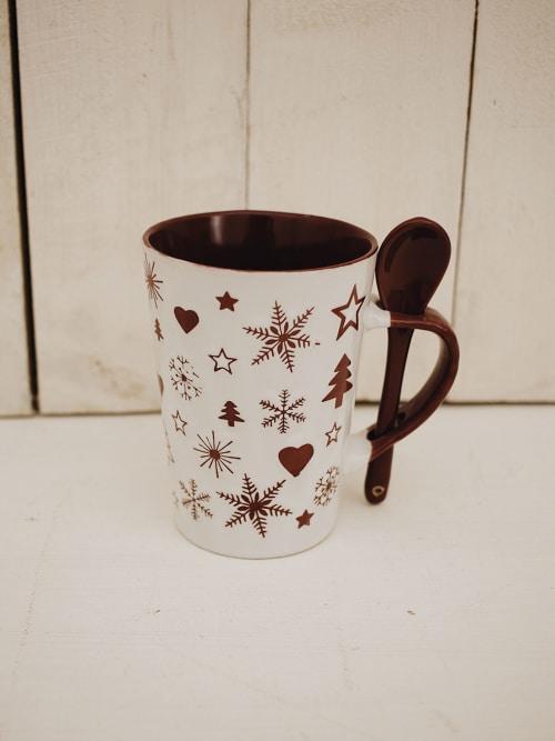 Tazza natalizia, in ceramica